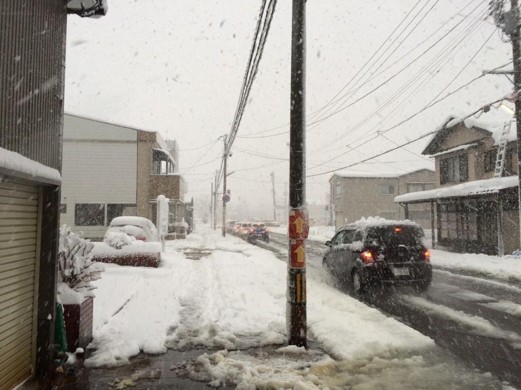 長岡市も大雪。和興不動産も全員除雪体制001