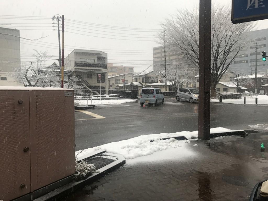 長岡市雪暴風雪警報0000